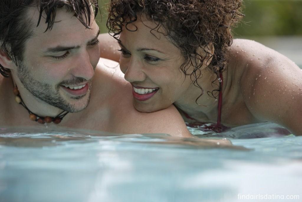 Start Searching Married Women Seeking Men for Affair Using Dating Websites